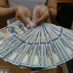 Dolar AS Masih Betah di Bawah Level Rp 14.000