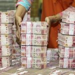 Rupiah mendekati level Rp 14.300 jelang rilis data neraca perdagangan Juli