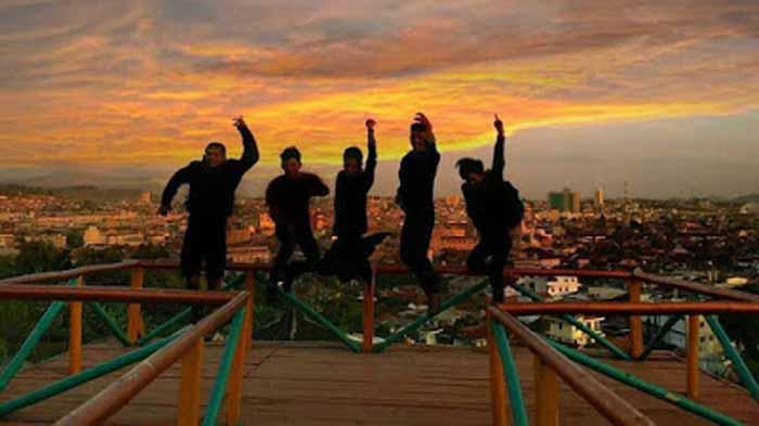 Teropong Kota Bukit Sindy, Eksotisme Sunset Bandar Lampung
