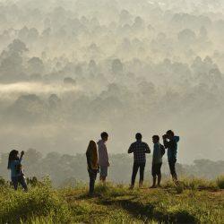 Bukit Kabut Bawang Bakung – Hamparan Pesona Negeri di Awan Lampung Barat