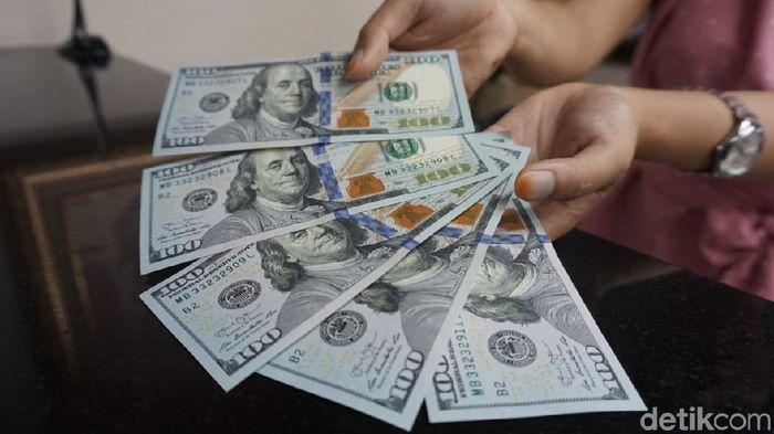 Dolar AS Menguat di Tengah Maraknya Aksi Demo