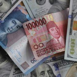 AS-China Pasang Surut, Rupiah Jadi Turun Naik