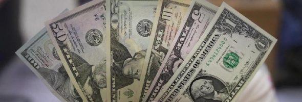 Kejatuhan Rupiah Makin Dalam, Tembus Juga ke Rp 14.300/US$