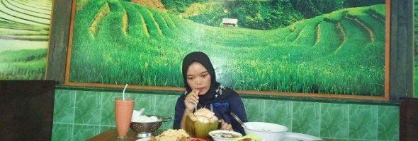 Kampoeng Bamboe Restoran Hadirkan Suasana Pedesaan